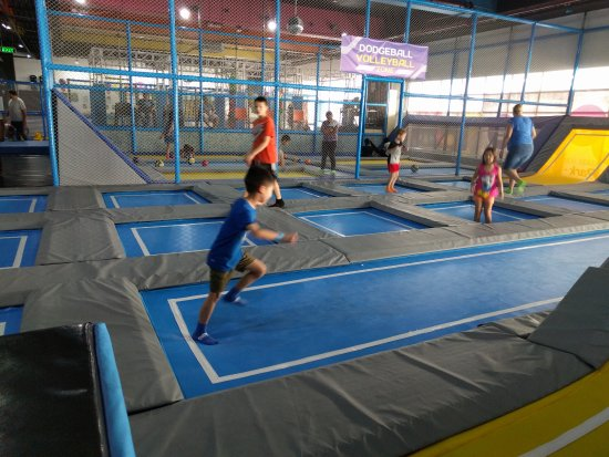 Bounce Philippines: trampolines