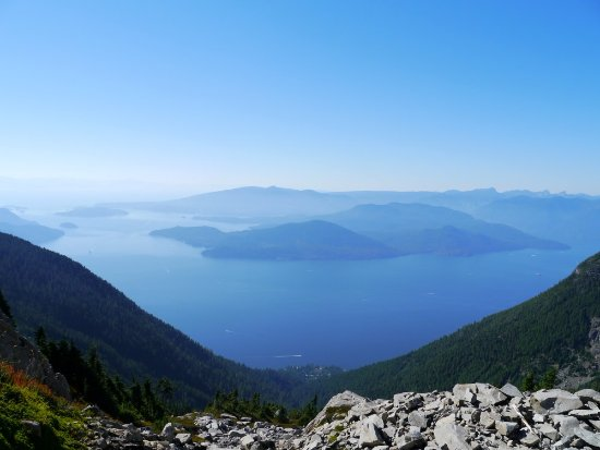 North Vancouver, Canadá: Look down on the Pacific ocean from the North Shore mountains