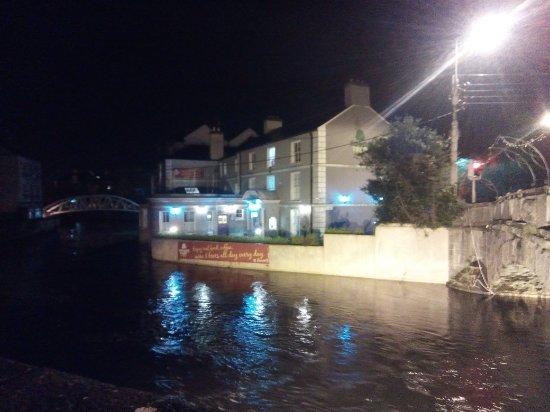 Ennis, Irlanda: IMG_20180214_201421_large.jpg