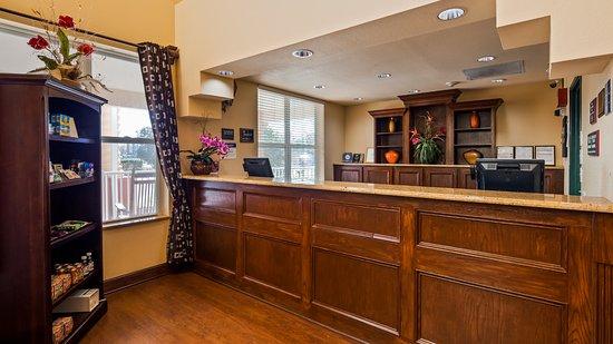 Best Western Plus First Coast Inn & Suites: Lobby