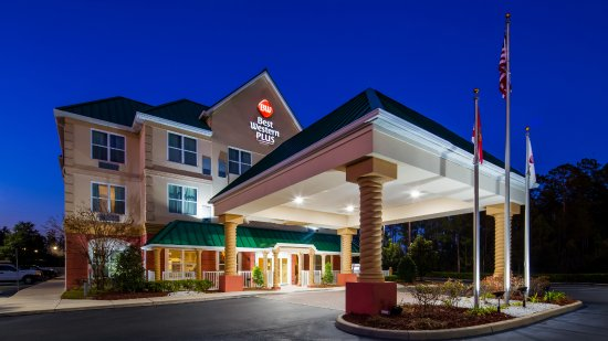 Best Western Plus First Coast Inn & Suites: Evening Night
