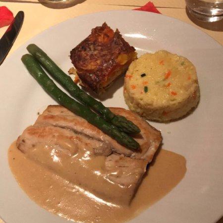 Restaurant le carre rouge dans none avec cuisine fran aise - Le carre rouge toulouse ...