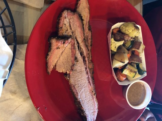 brisket plate with side of veggies - Picture of Butchers Kitchen Char-B-Que, Reno - TripAdvisor