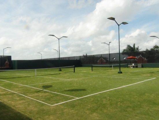 The Royal Haciendas All Suites Resort & Spa: Canchas de tenis