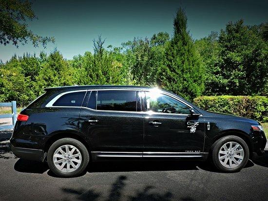 Camelot Limousine