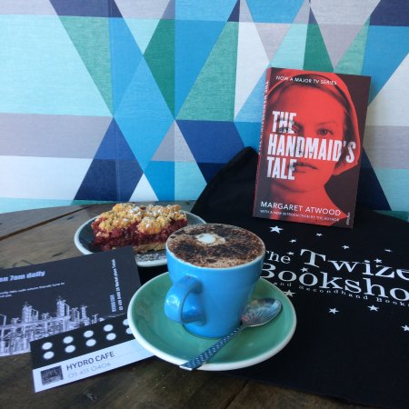 Great coffee and great books in Twizel