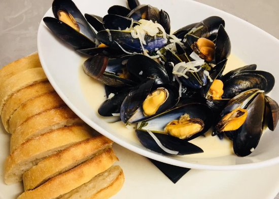 Nuthampstead, UK: Valentines 2018 - Moules Mariniere