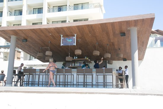 Cap Estate, St. Lucia: Bar na plaży