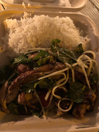 The Elephant Shack: Yum gai Yang