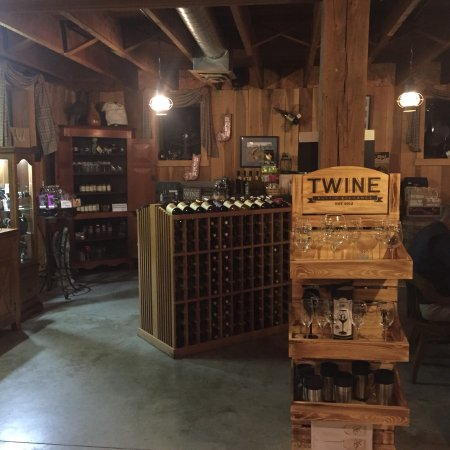 Chateau de Pique Winery: photo1.jpg