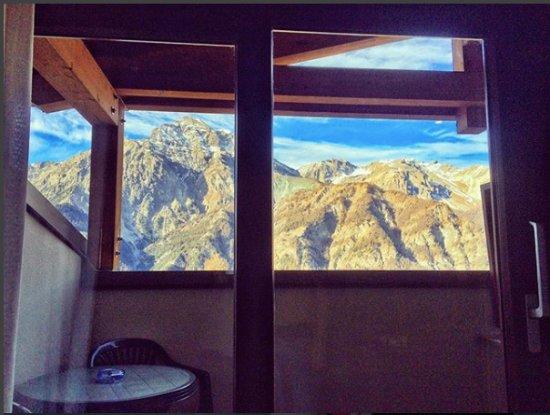 San Sicario, Italia: Camera sul retro all'ultimo piano con vista spettacolare