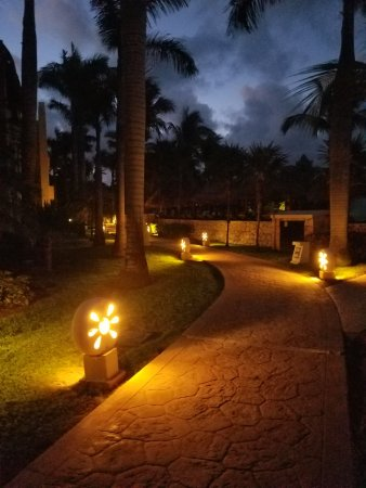 Iberostar Paraiso Maya : I loved going to the beach to watch the sun rise.