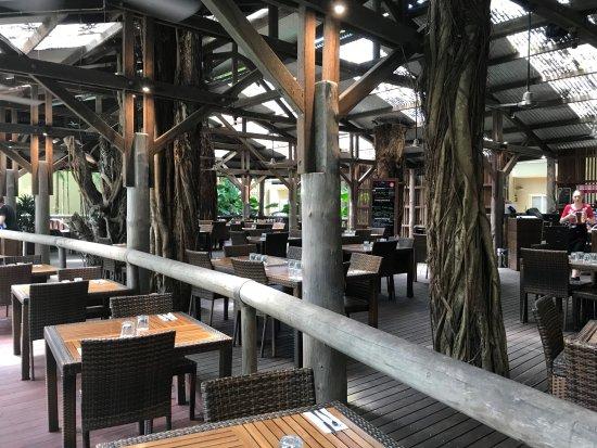 Ramada Resort Port Douglas: Treetops restaurant