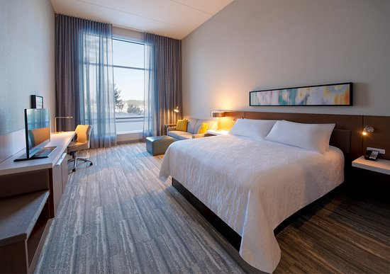 Wausau, WI: Guest Room - King Accessible