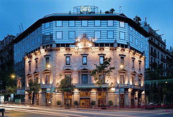Hotel Claris: Exterior