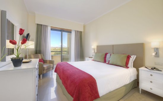 The Residences at Victoria: Guest room