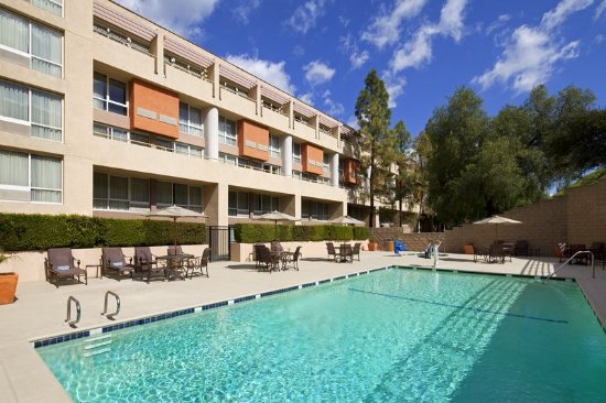 Sheraton Agoura Hills Hotel Pool