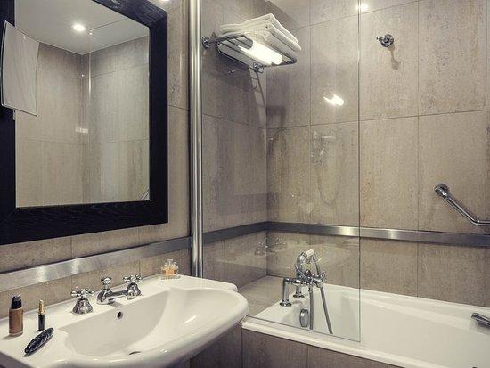 Mercure Paris Saint Lazare Monceau : Guest room
