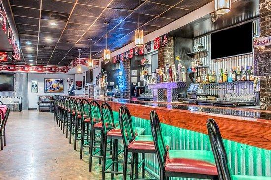 Pocono Plaza Inn: Bar/Lounge