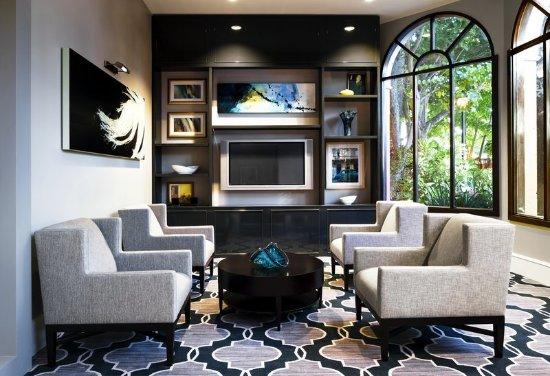 Sheraton Suites Fort Lauderdale at Cypress Creek: Bar/Lounge