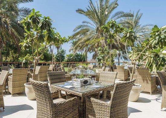 Le Meridien Mina Seyahi Beach Resort and Marina: Restaurant