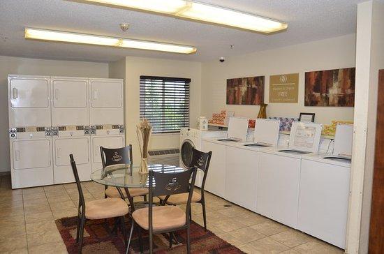 Candlewood Suites Detroit/Warren: Property amenity