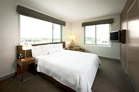 Element Dallas Fort Worth Airport North: Guest room