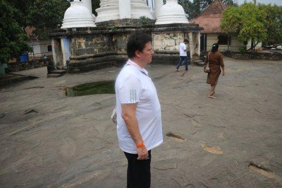 Richmond Travels,  Gadaladeniya temple Kandy
