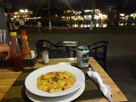 Davido Pizza 24 Hours, Hoi An - Restaurant Reviews, Photos