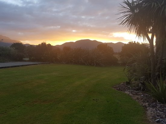 Glenfern Villas Franz Josef: 20180206_204818_large.jpg