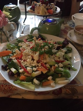 Peekskill, NY: the chose your own salad