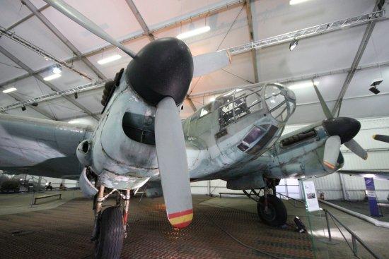 Le Bourget, فرنسا: He-111 прибывший своим ходом из Испании.