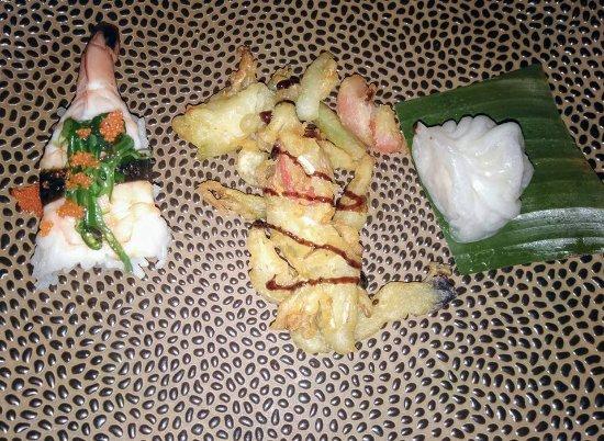 Loppem, Belgia: Aperitiefhapje: gestoomde dim-sum met tempura
