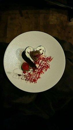 Meillonnas, Francja: dessert des Amoureux!