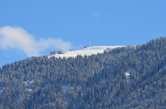 Ugine, ฝรั่งเศส: Vue sur les pistes de ski