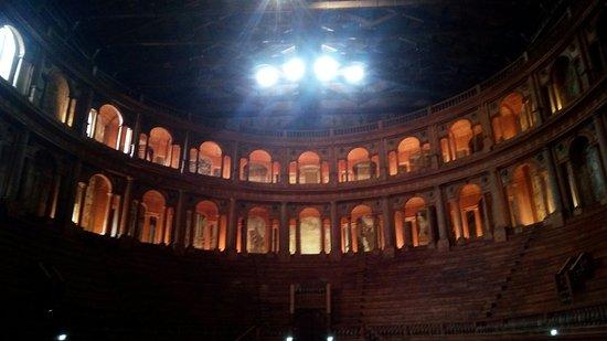 Teatro Farnese: IMG_20180210_142113_large.jpg