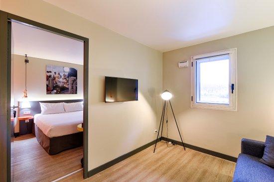 Ibis Styles Lyon Centre Confluence: Chambre suite 1er étage