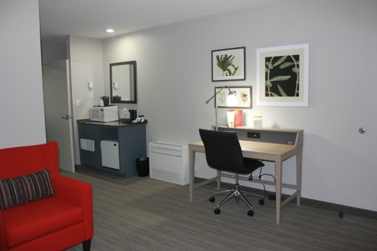 Country Inn & Suites by Radisson, Roanoke, VA Photo