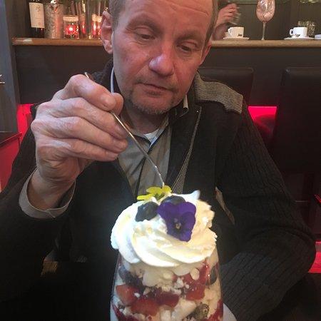 Auderghem, Belçika: Belle soirée de saint Valentin hier avec mon chéri et notre Docteur   Le repas était excellent d