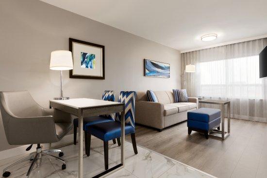 Embassy Suites By Hilton Toronto Airport 123 ̶1̶4̶4̶