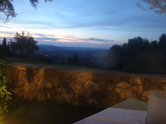 Taverna The Garden : View from our table at sunset