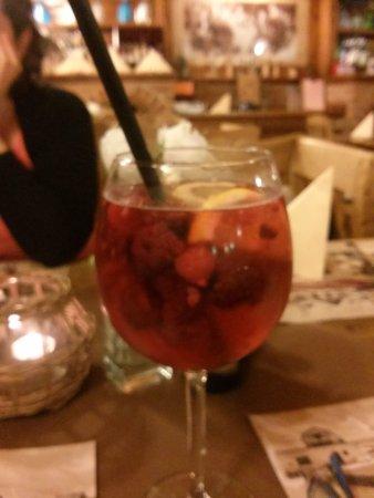 Fertorakos, المجر: raspberry juice