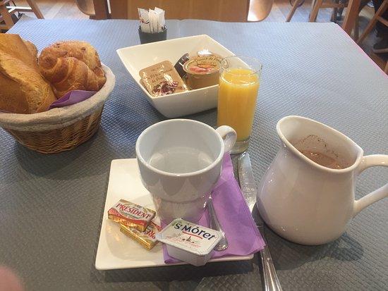 Hotel du Theatre by Patrick Hayat: Pequeno-almoço (opcional)