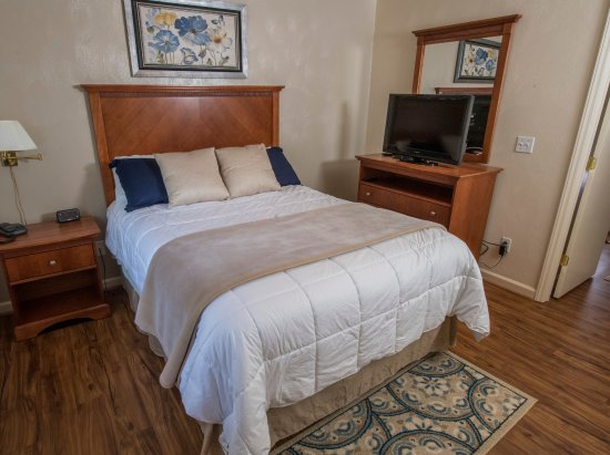 Affordable Corporate Suites: Executive Bedroom