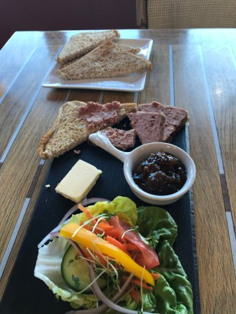 Heathfield, UK: pate, chutney, salad and brown toast