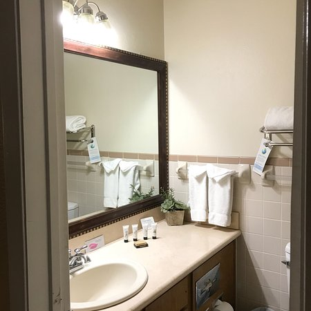 Red Lion Inn & Suites Cathedral City: photo7.jpg