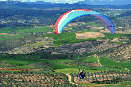 Daganzo de Arriba, Spain: La Muela en primavera, junto a nuestros pasajeros