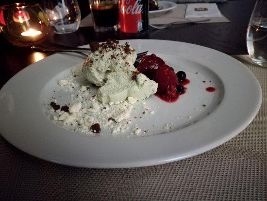 R3 Restaurante: Desert!