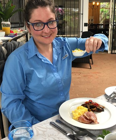 Plumbago Guest House: Ashley eating a delicious breakfast at the Plumbago
