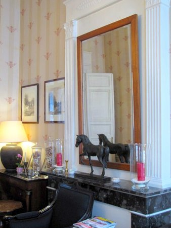 Charming hotel in a magnificent location with very nice hosts, Highly recommended.
